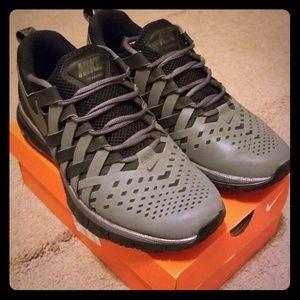 Men's Nike Fingertrap Max shoes